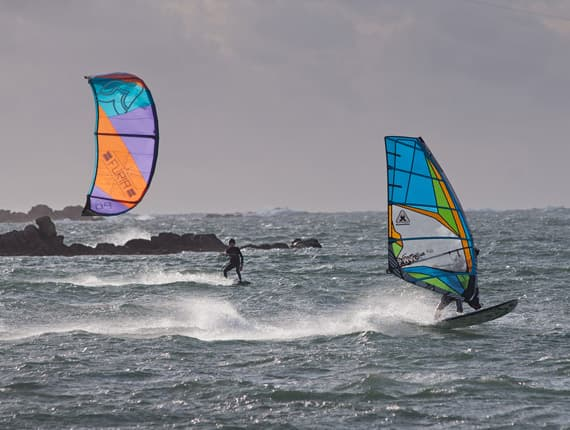 kite-surf windsurf